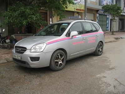 Điều kiện cơ bản để hành nghề lái xe taxi là gì?