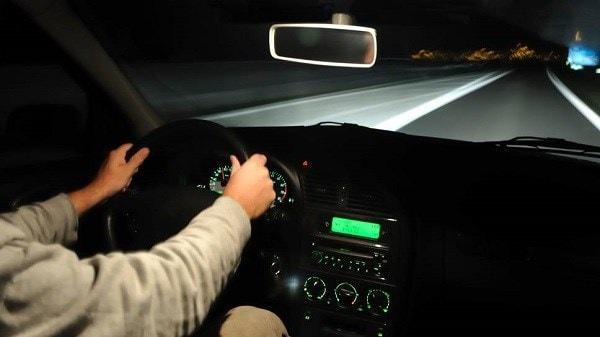 Kinh nghiệm lái xe tỉnh táo vào ban đêm