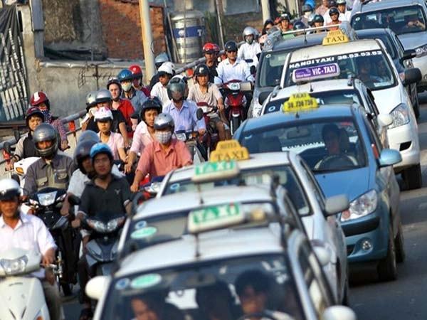 Kinh nghiệm lái xe an toàn trong nội đô cho tài xế taxi