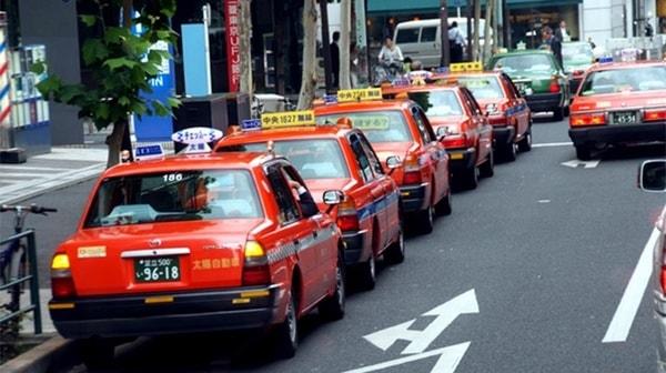 Những điều bạn nên học tập ở tài xế taxi Nhật Bản