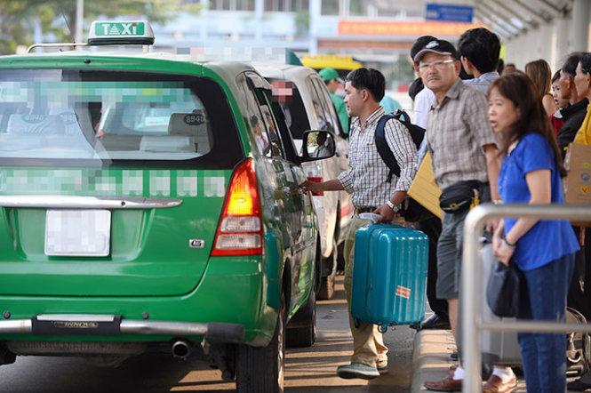 Theo kinh nghiệm của các lái xe cho thấy, phạm vi đón khách tốt nhất là dựa vào khu vực đông người