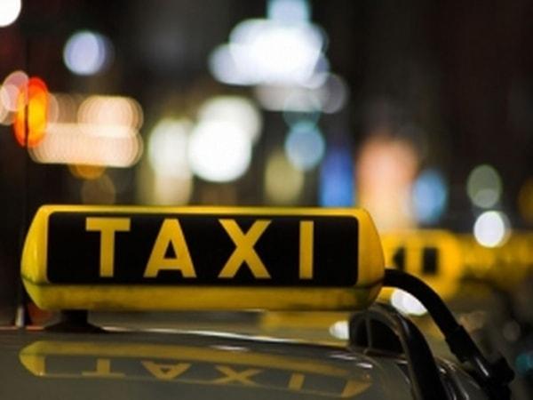 Nghề lái taxi nguy hiểm, vất vả nhưng thú vị
