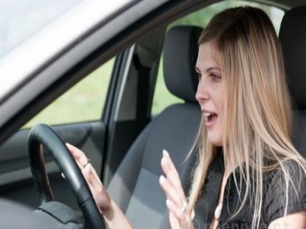 Xử lý 7 sự cố thường gặp khi lái xe
