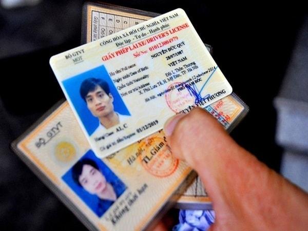 Không đổi giấy phép lái xe ô tô khi hết hạn bị phạt bao nhiêu?