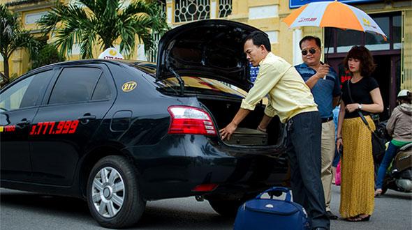 4 kinh nghiệm tìm lại hành lý trên xe taxi