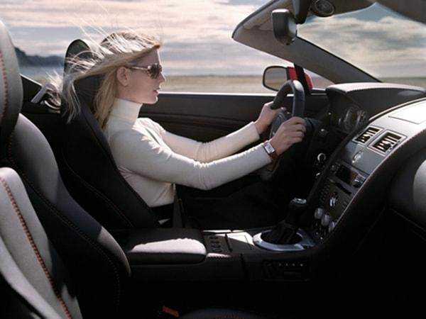 Cách lái ô tô số tự động an toàn và tiết kiệm xăng