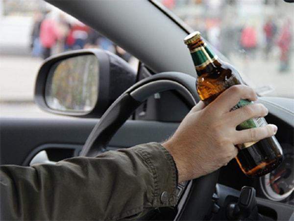 Lái ô tô khi nồng độ cồn vượt mức cho phép bị phạt như thế nào?