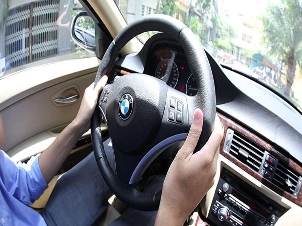 Khi người yêu làm nghề tài xế