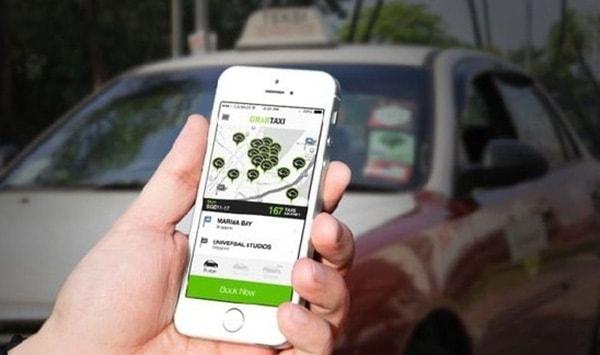 Vì sao taxi Uber, Grab bị kiến nghị dừng hoạt động?
