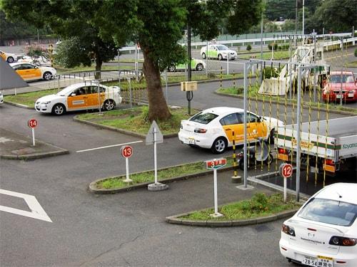 Một trường học lái ở Nhật Bản