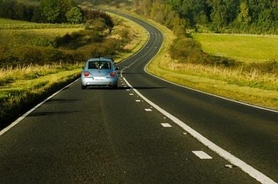 Những nguyên tắc cần biết để lái xe an toàn khi đi xa