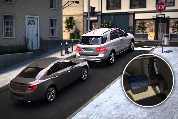 Xe ô tô có thể bị tụt dốc nếu dùng côn không đúng cách