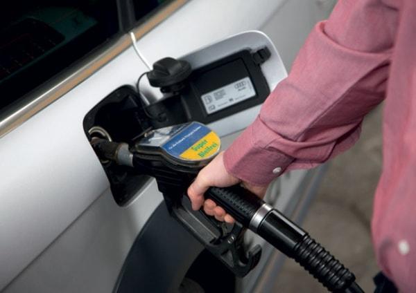 10 cách tiết kiệm xăng cho xe ô tô 1