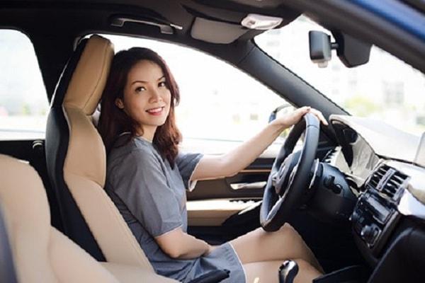 Hướng dẫn cách quay đầu xe và lái xe an toàn khi vào cua 1