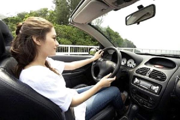 Làm thế nào để căn đường và xe khi lái xe ô tô? 1