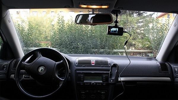 Kinh nghiệm lái xe ôtô vào giờ cao điểm 1