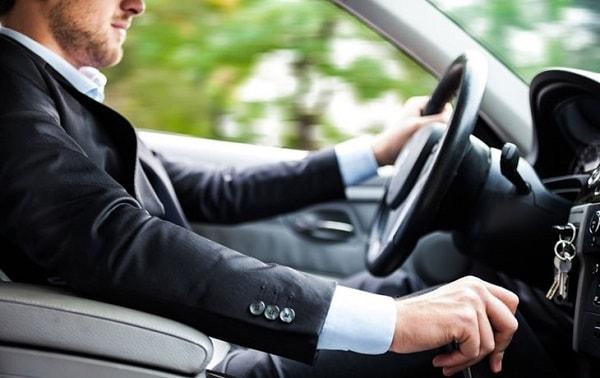 Nguyên tắc vàng khi lái xe vào ban đêm đảm bảo an toàn 1