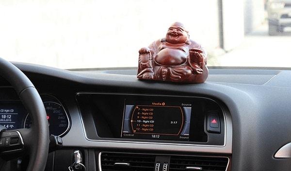 đồ phong thủy cho xe ô tô 1