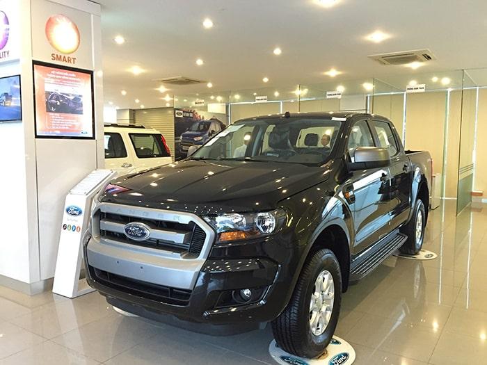 Mẫu xe Ford Ranger XLS 4X2 AT