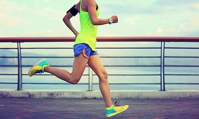 Chạy bộ đúng cách để giảm mỡ bụng cho cả nam và nữ