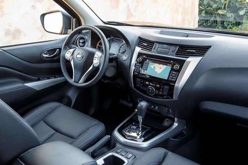 Nội thất dòng Nissan Navara