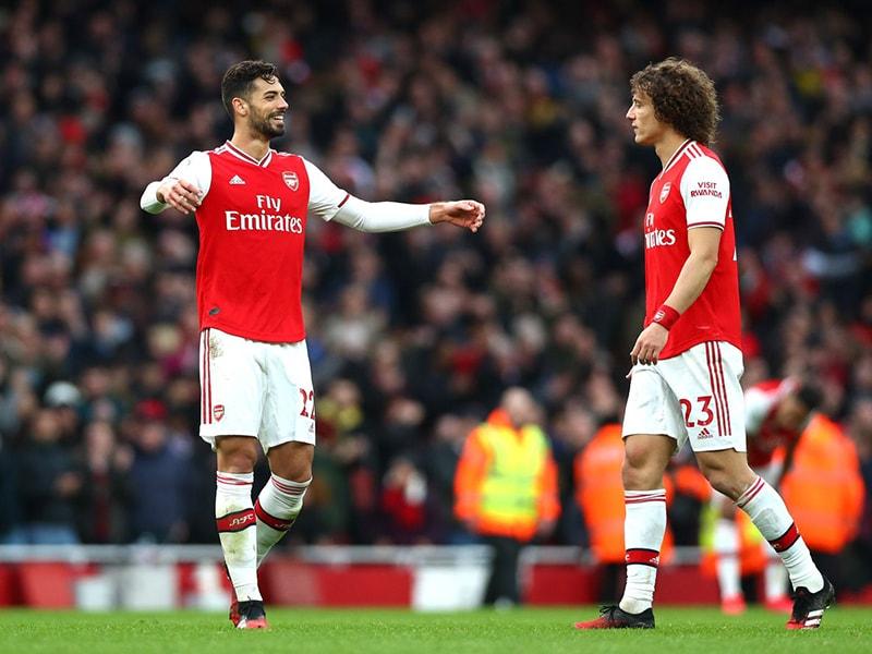 Arsenal thông báo trên trang chủ rằng bộ đôi Pablo Mari và Cedric Soares đã chính thức kí vào một bản hợp đồng dài hạn với đội bóng.
